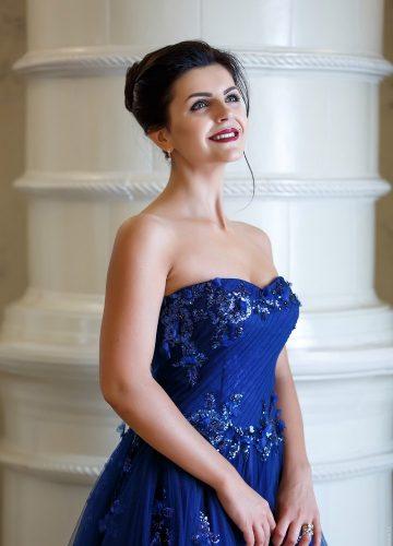 Вечернее синее платье с пайетками