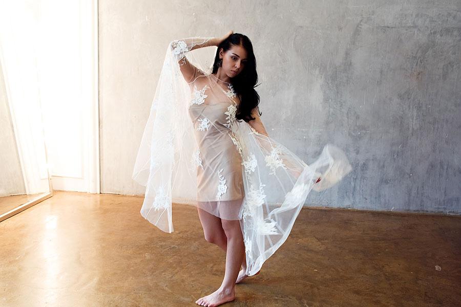 Корсетное платье в минималистичном стиле