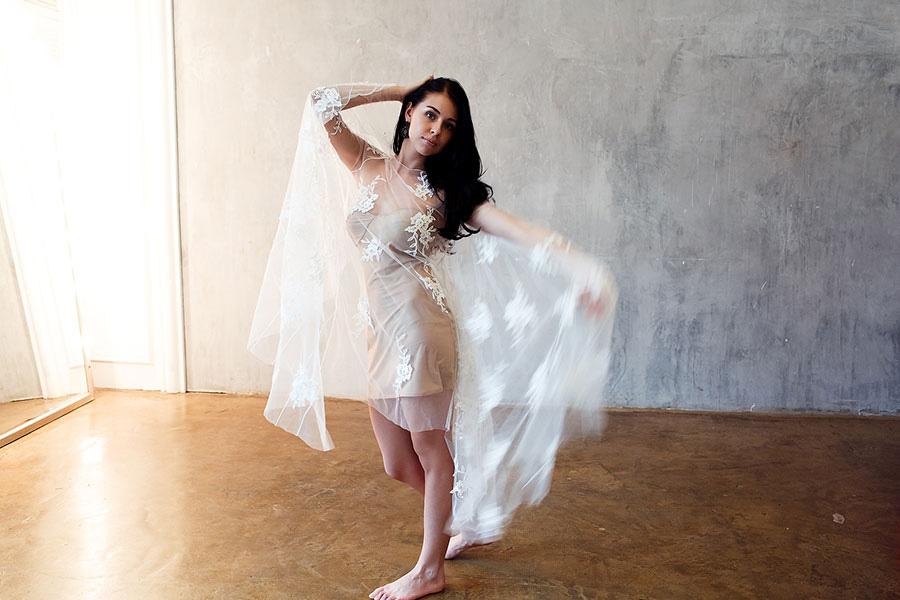 Прозрачное платье-накидка напрокат