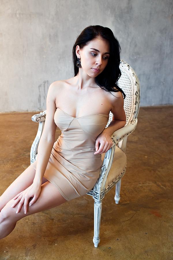 Фотосессия в коротком платье