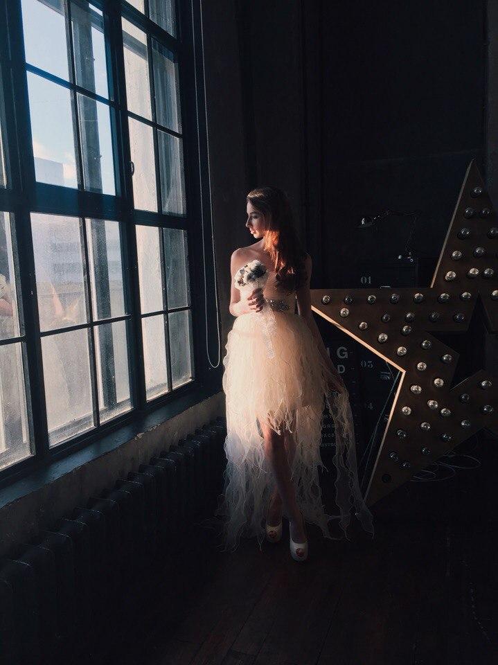 Натали Лис в необычном свадебном платье