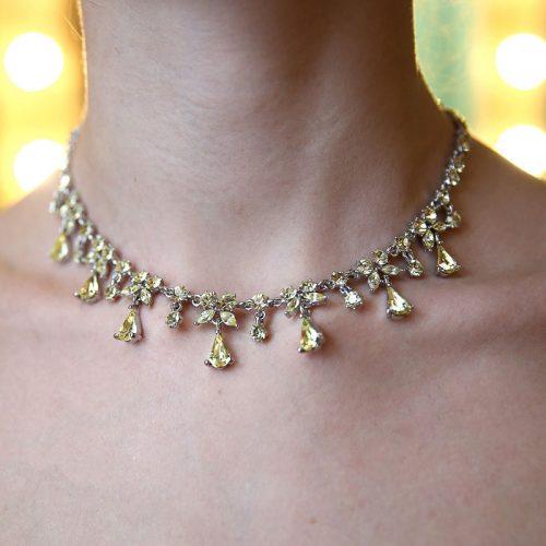 Ожерелье с желтыми камнями