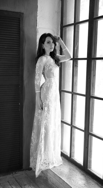 Трендовое платье с кружевом