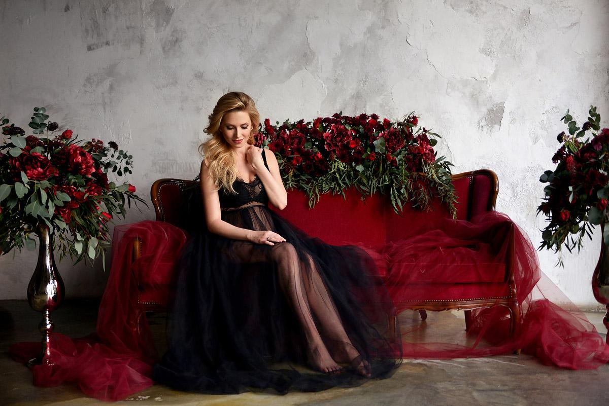 Прозрачное платье черного цвета для будущей мамы