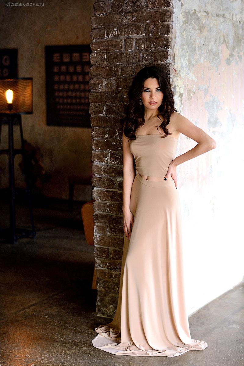 Нюдовое платье в прокат