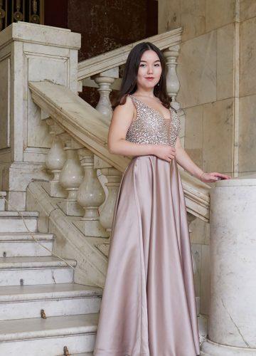 Бальное платье карамельных оттенков