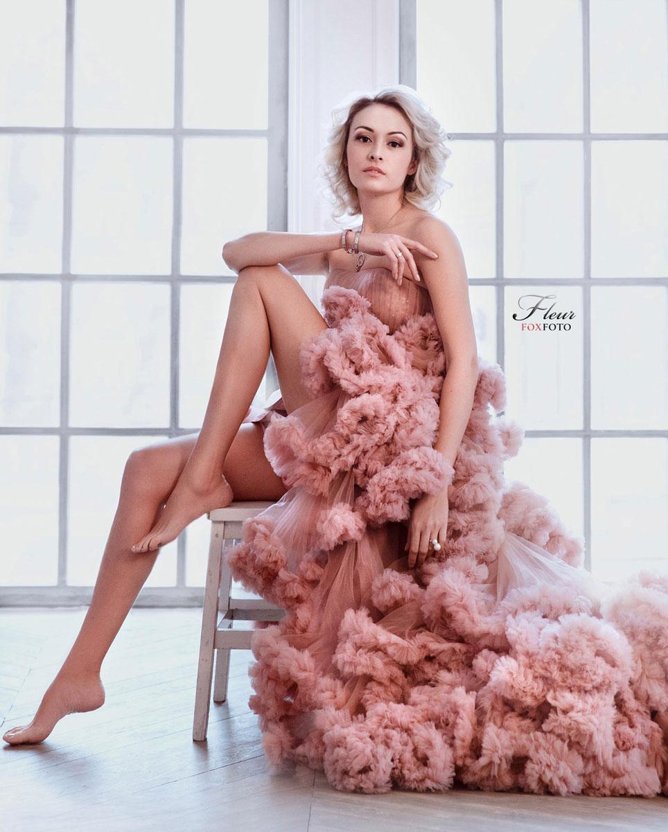 Роскошное платье с открытым верхом