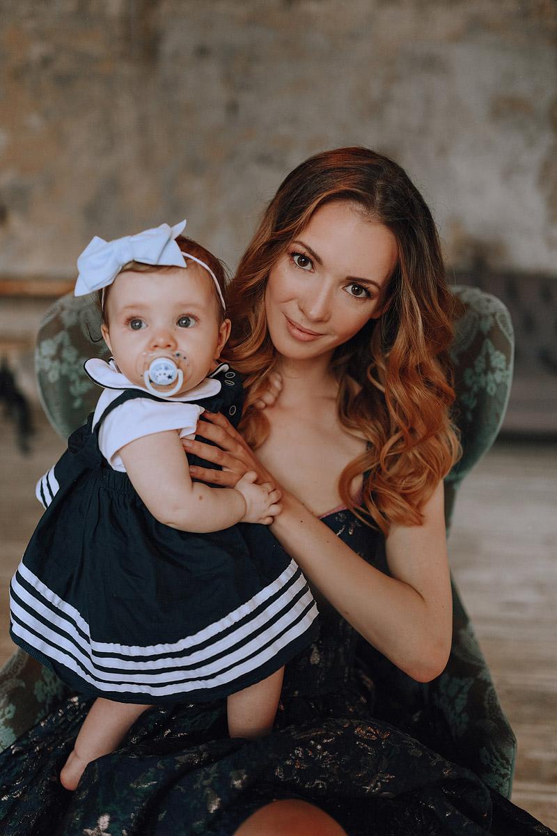 Элегантная фотосессия мама с дочкой