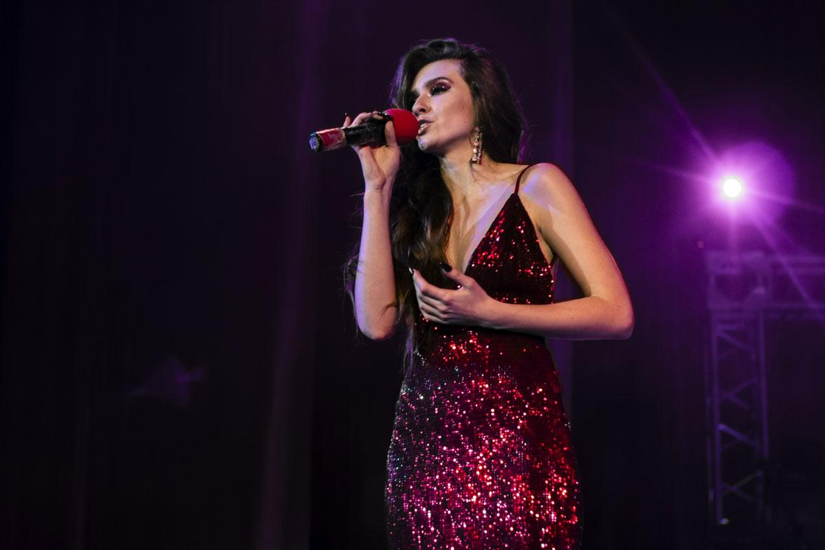 Елизавета Еремина исполняет композицию «Ты мне спой»