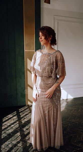 Бежевое платье большого размера в аренду