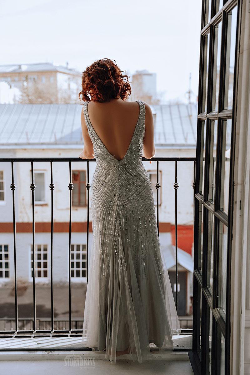 Вечернее платье с открытой спиной для полных