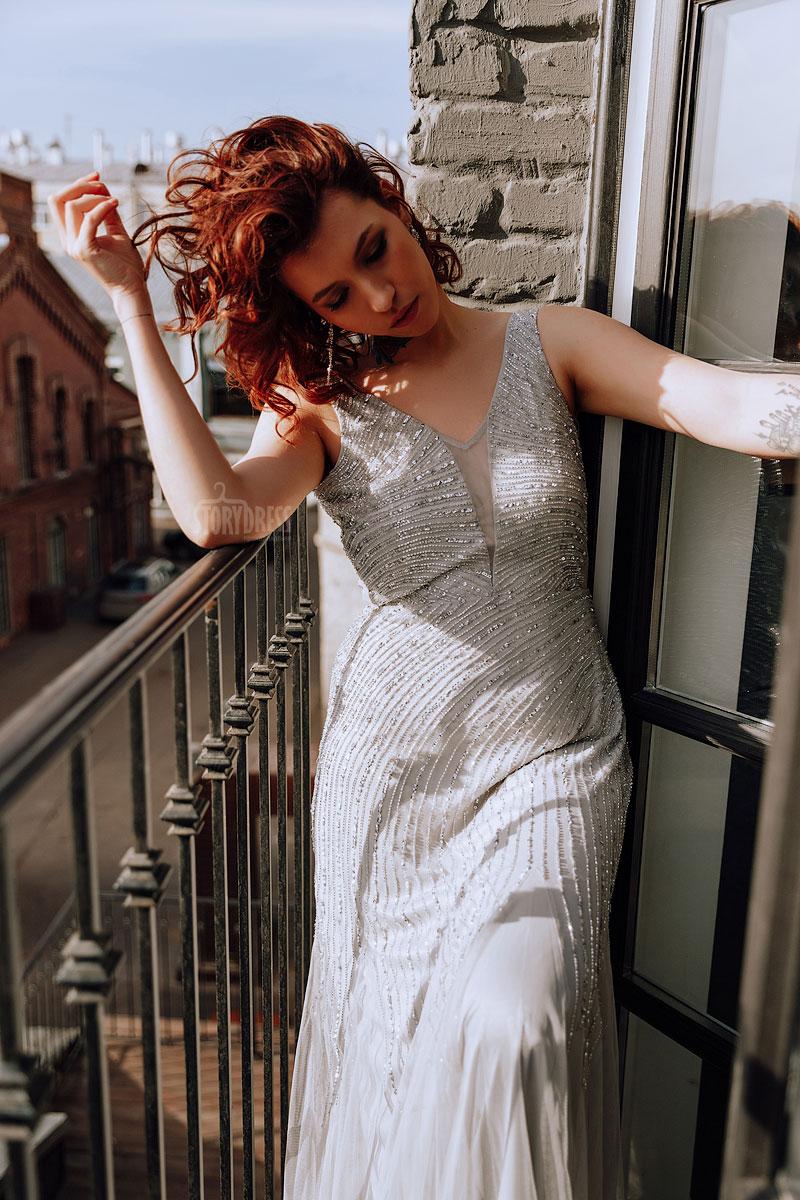 Платье для полных с глубоким декольте
