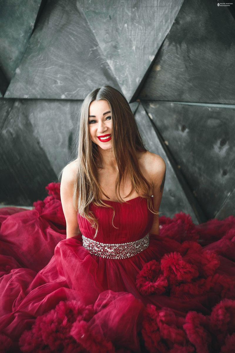 Красное платье облако из проката