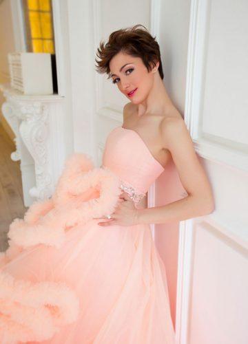 Персиковое платье облако