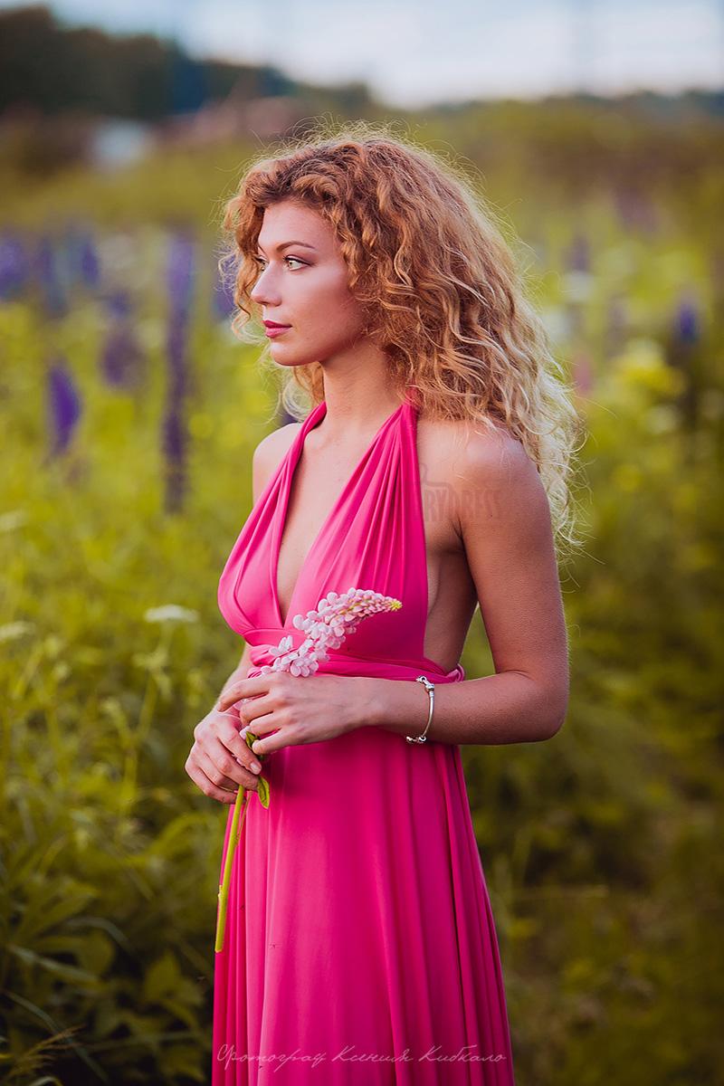 Великолепное ализариновое платье