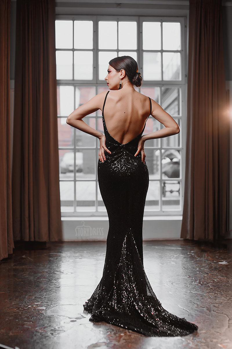 Черное платье из пайеток