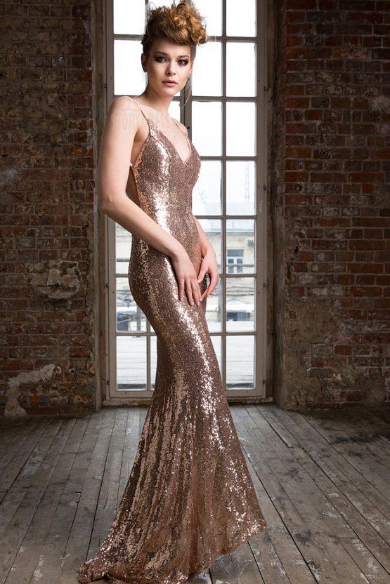 Блестящее золотое платье