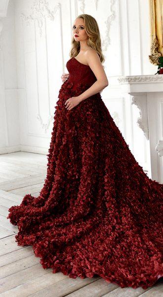 Платье со шлейфом Gortenzia Garnet