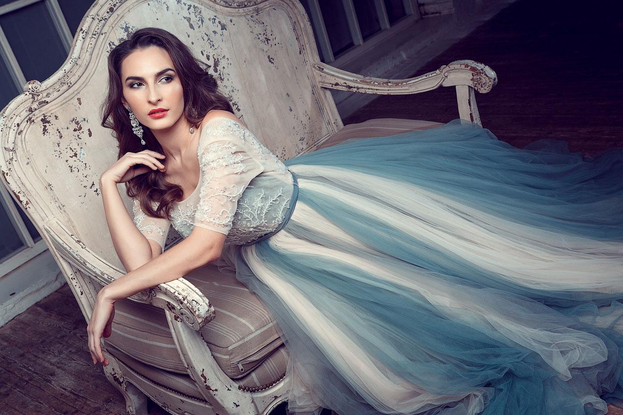 Фотосессия в бело-голубом платье из фатина