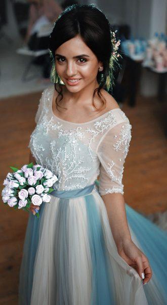 Фото невесты в нежном платье