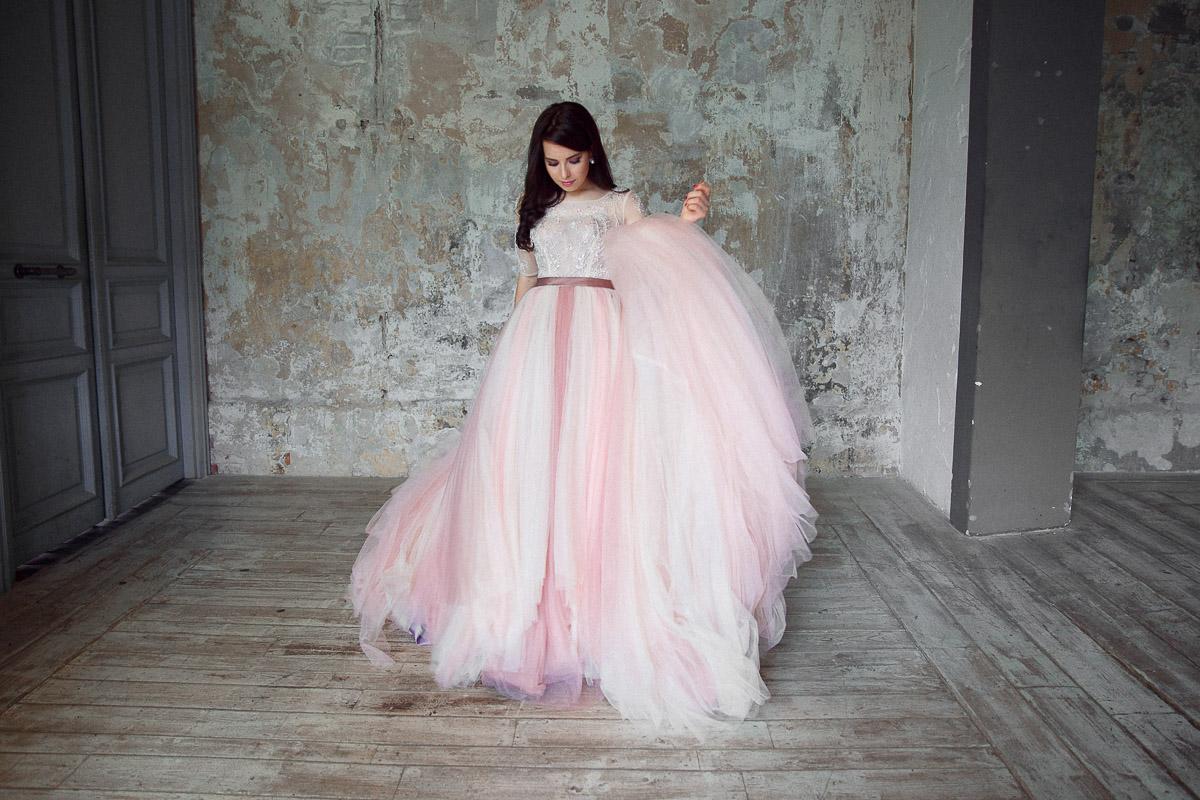 Пышное платье розовых оттенков