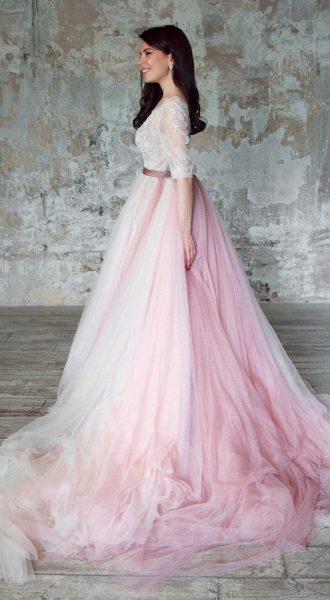 Изысканное платье с пышной фатиновой юбкой Nude Falls