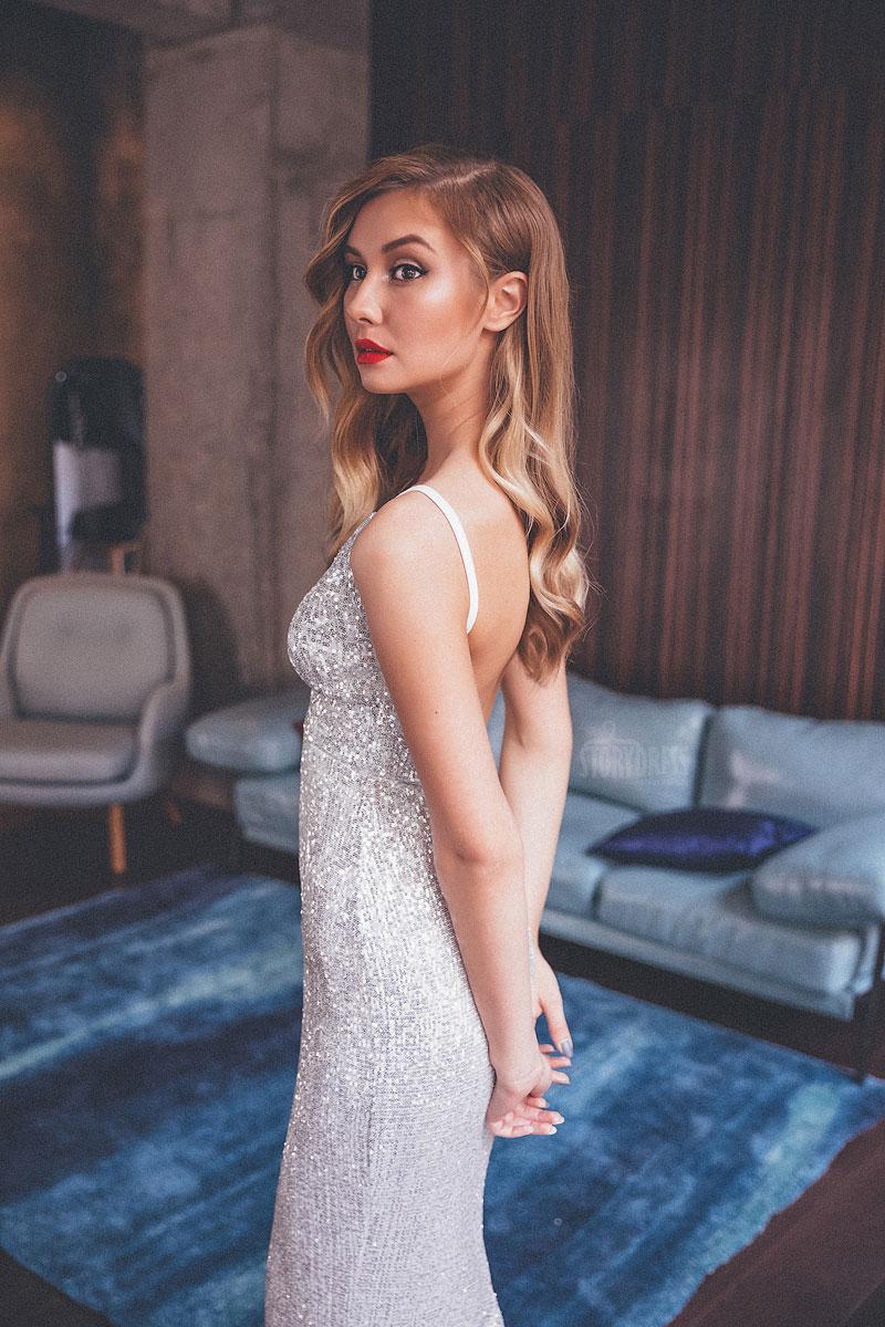 Вечернее платье для соблазнительного образа героини фотосъемки или торжества