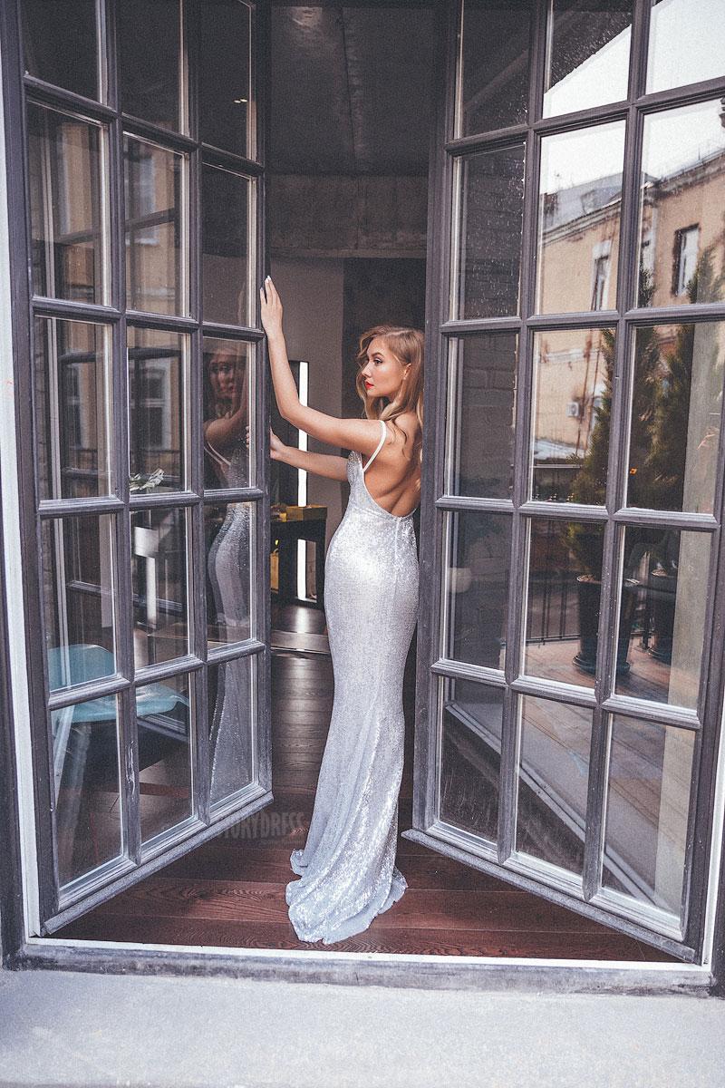 Вечернее платье с открытой спиной в аренду