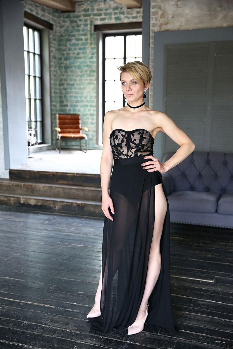 Прозрачное платье черного цвета