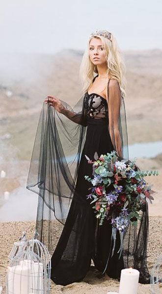 Вечернее платье с кружевом Victoria Black