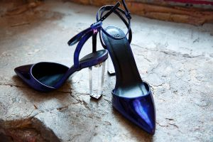 Синие туфли с прозрачным толстым каблуком