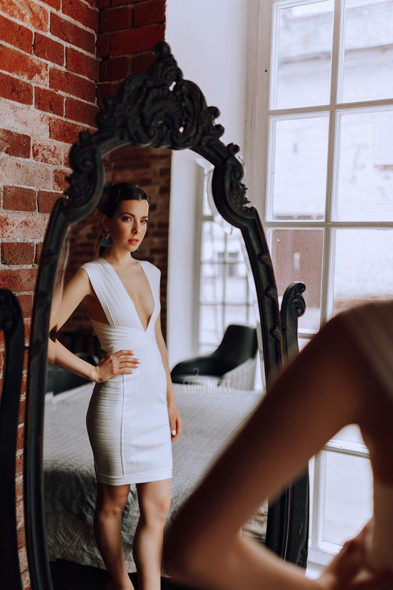 Обтягивающее белое платье аренда