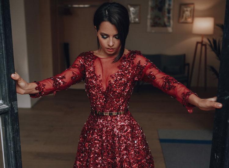 Вечернее платье с камнями на прокат