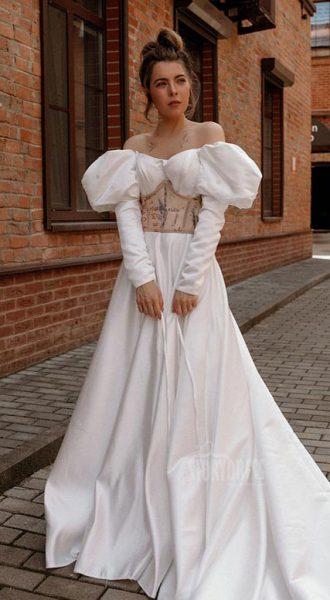 Платье с рукавами на шнуровке Alisa