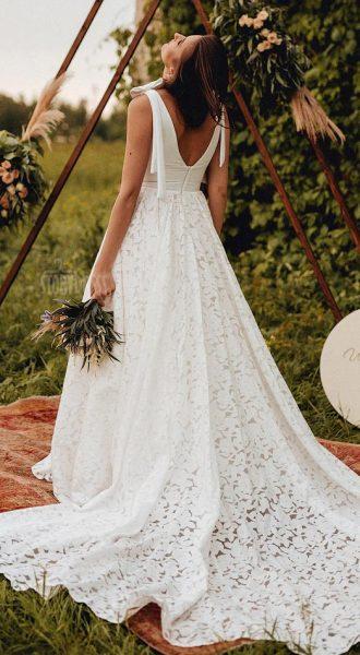 Свадебное платье с кружевной юбкой Amy