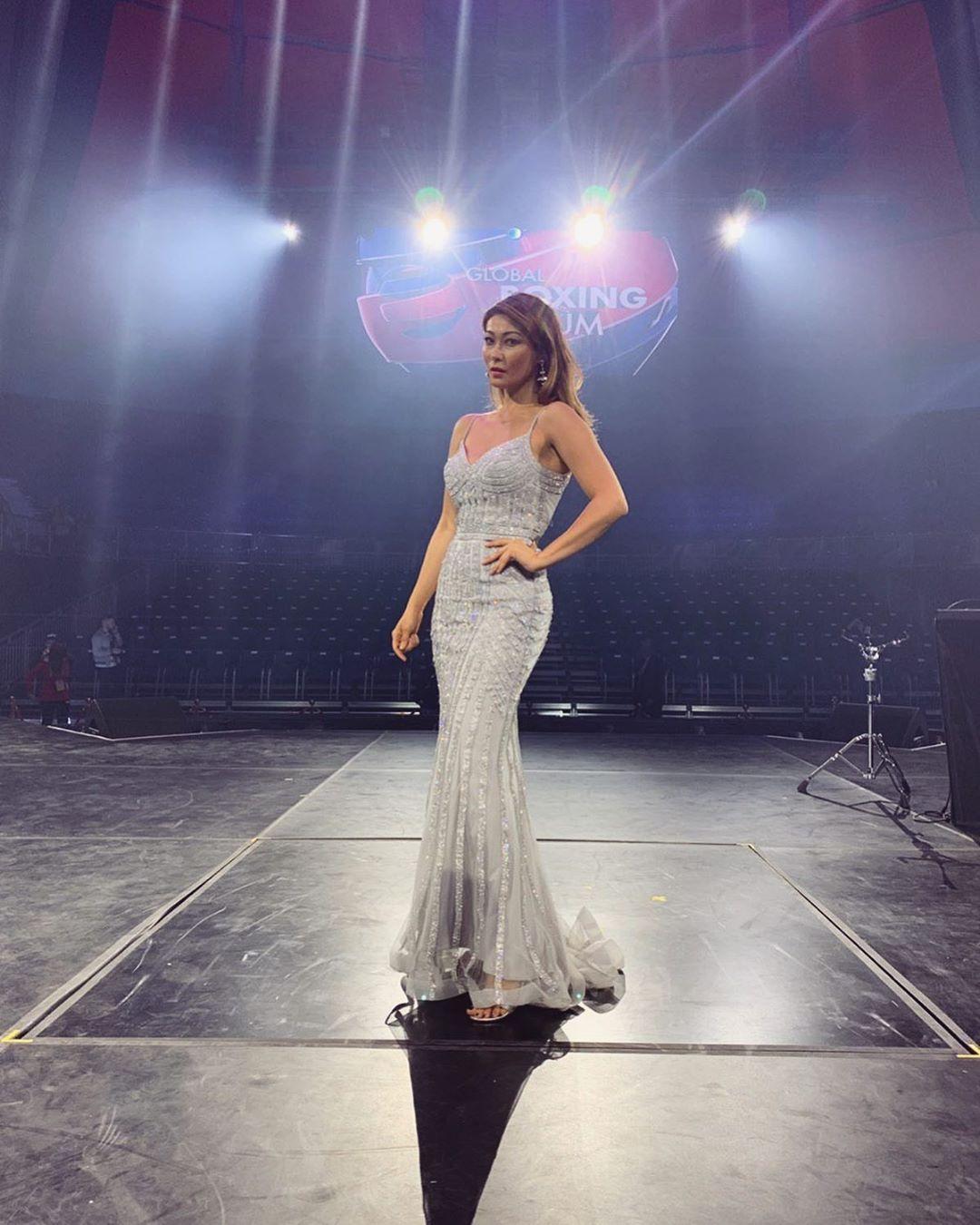 Телеведущая Марина Ким на открытии Второго Всемирного боксёрского форума в платье StoryDress