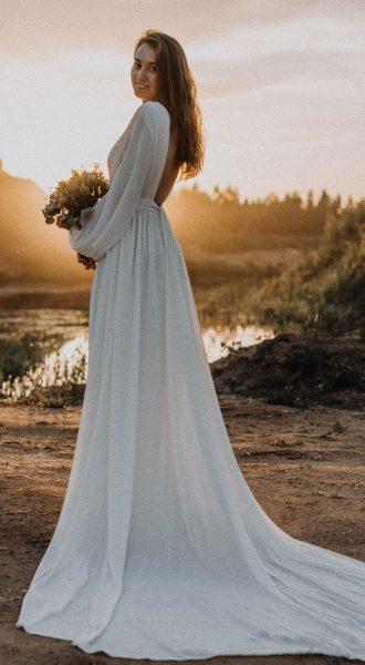 Закрытое вечернее платье со шлейфом Bright Heaven