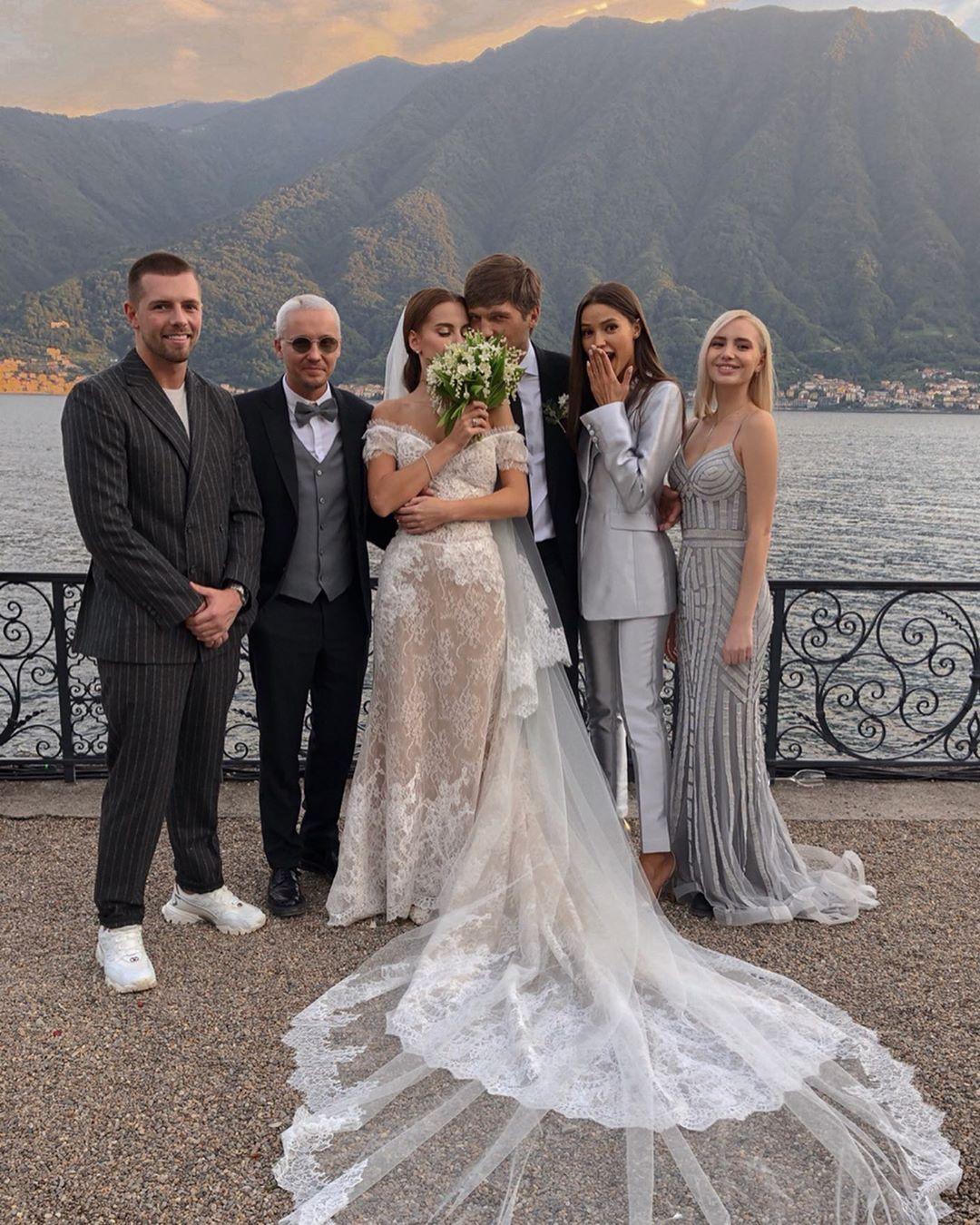 Виктория Чарыкова на свадьбе Дарьи Клюкиной