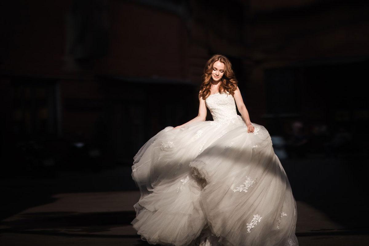 Пышное платье кремового цвета для свадьбы