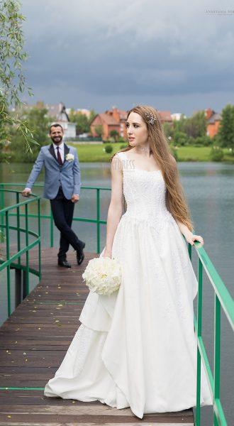 Свадебное платье с фактурной вышивкой