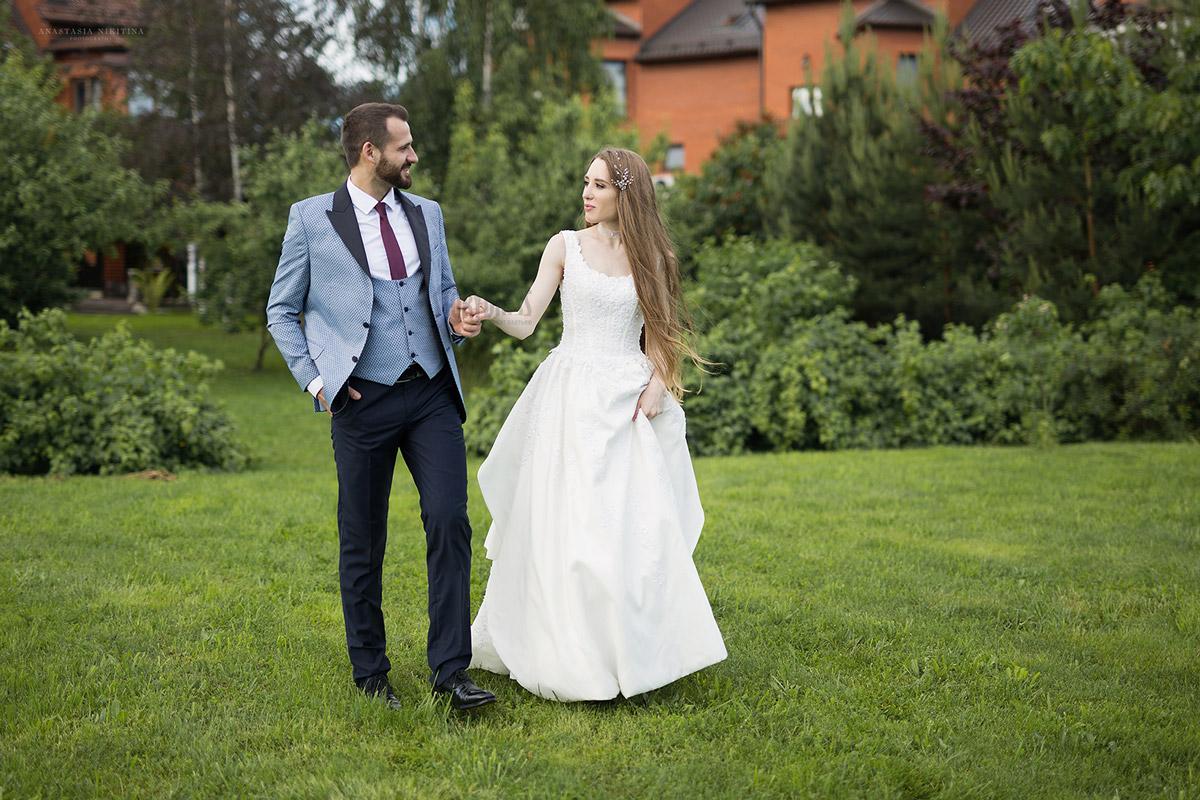 Уличная свадебная фотосессия