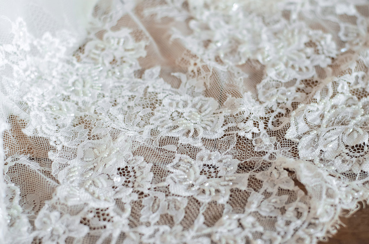 Белое кружево - классика для свадебного наряда